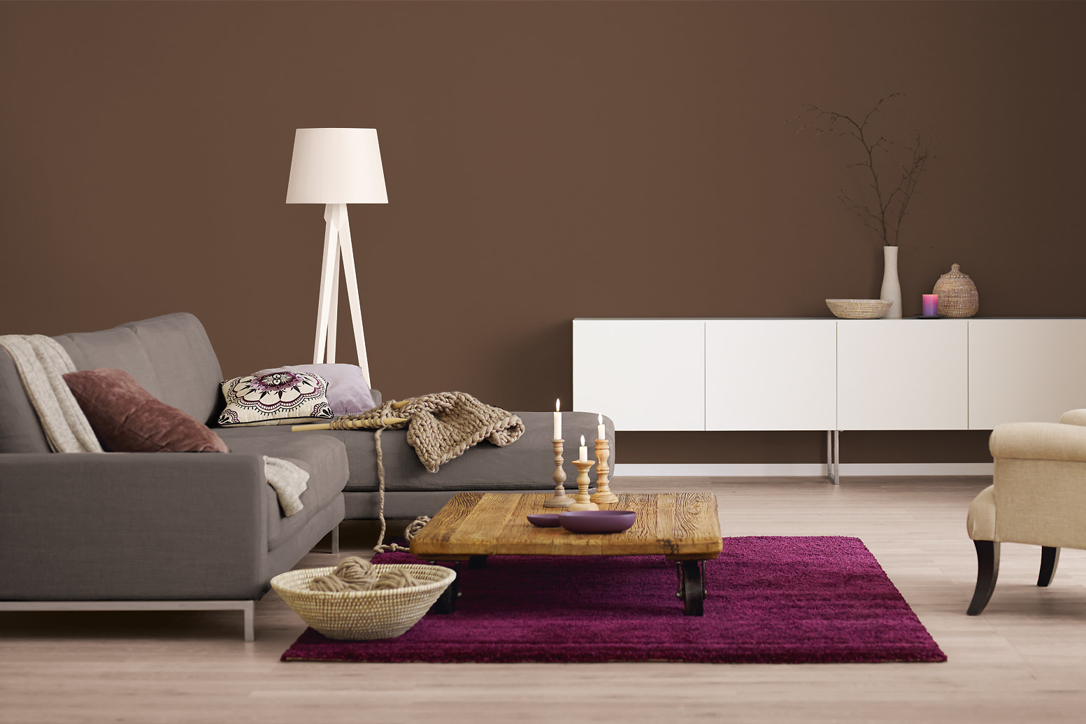 innenfarbe in braun dunkelbraun streichen alpina farbrezepte chocolat alpina farben. Black Bedroom Furniture Sets. Home Design Ideas