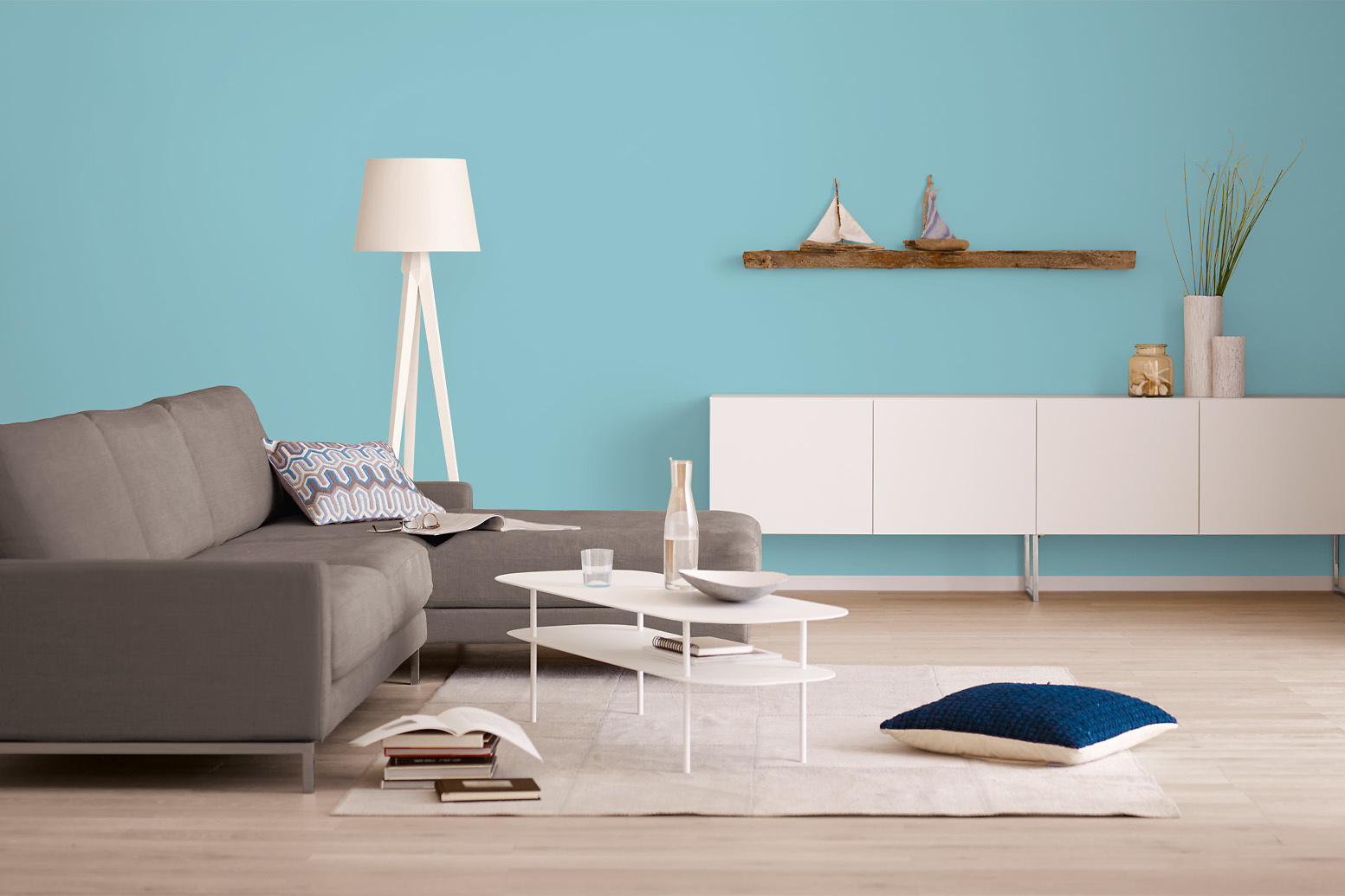 innenfarbe in grau blau eisblau streichen alpina. Black Bedroom Furniture Sets. Home Design Ideas