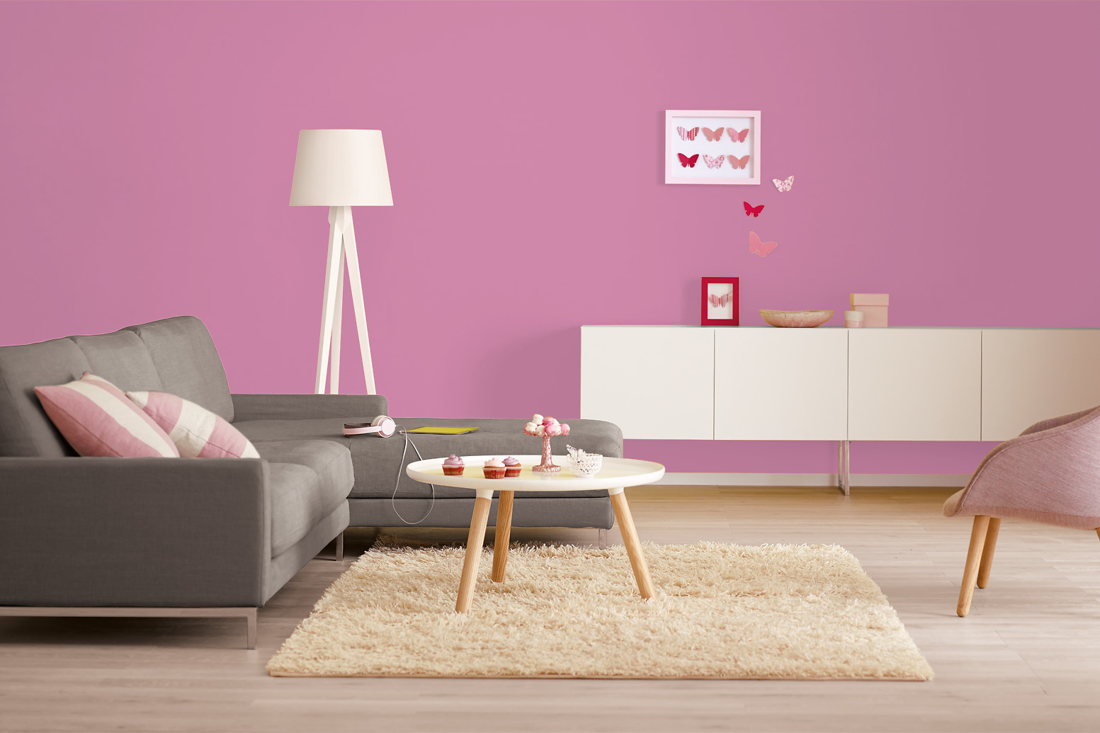 innenfarbe in magenta pink streichen alpina farbrezepte party pink alpina farben. Black Bedroom Furniture Sets. Home Design Ideas
