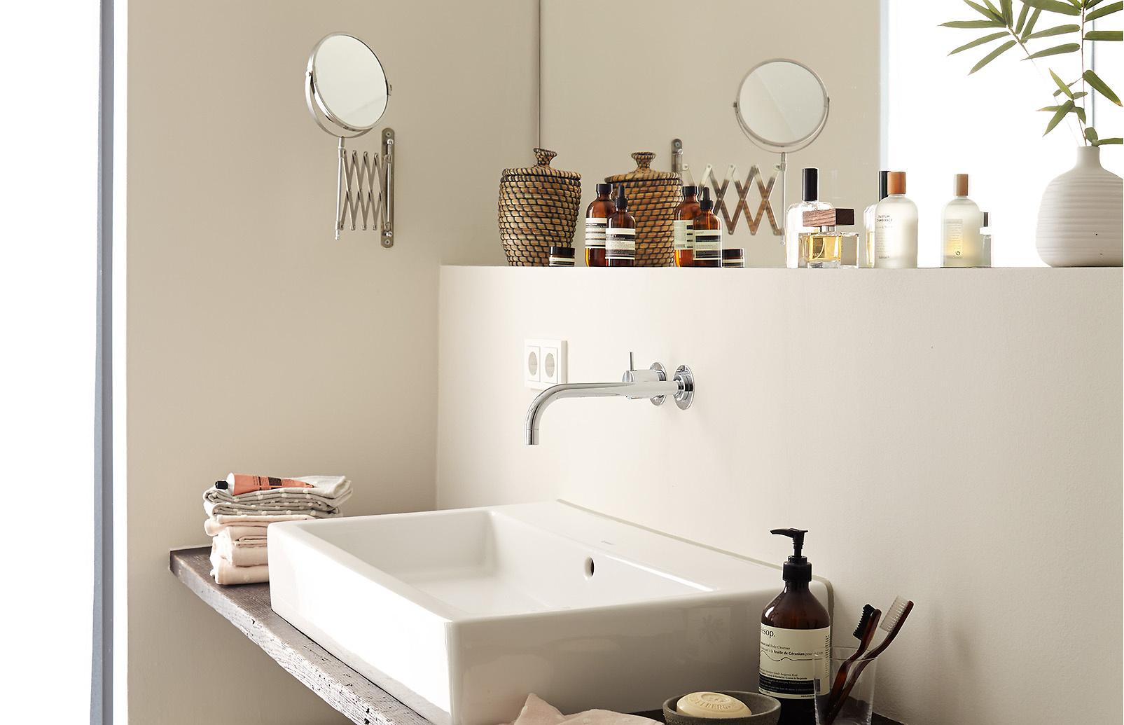 premium-wandfarbe. braun, hellbeige: alpina feine farben elegante, Wohnzimmer dekoo