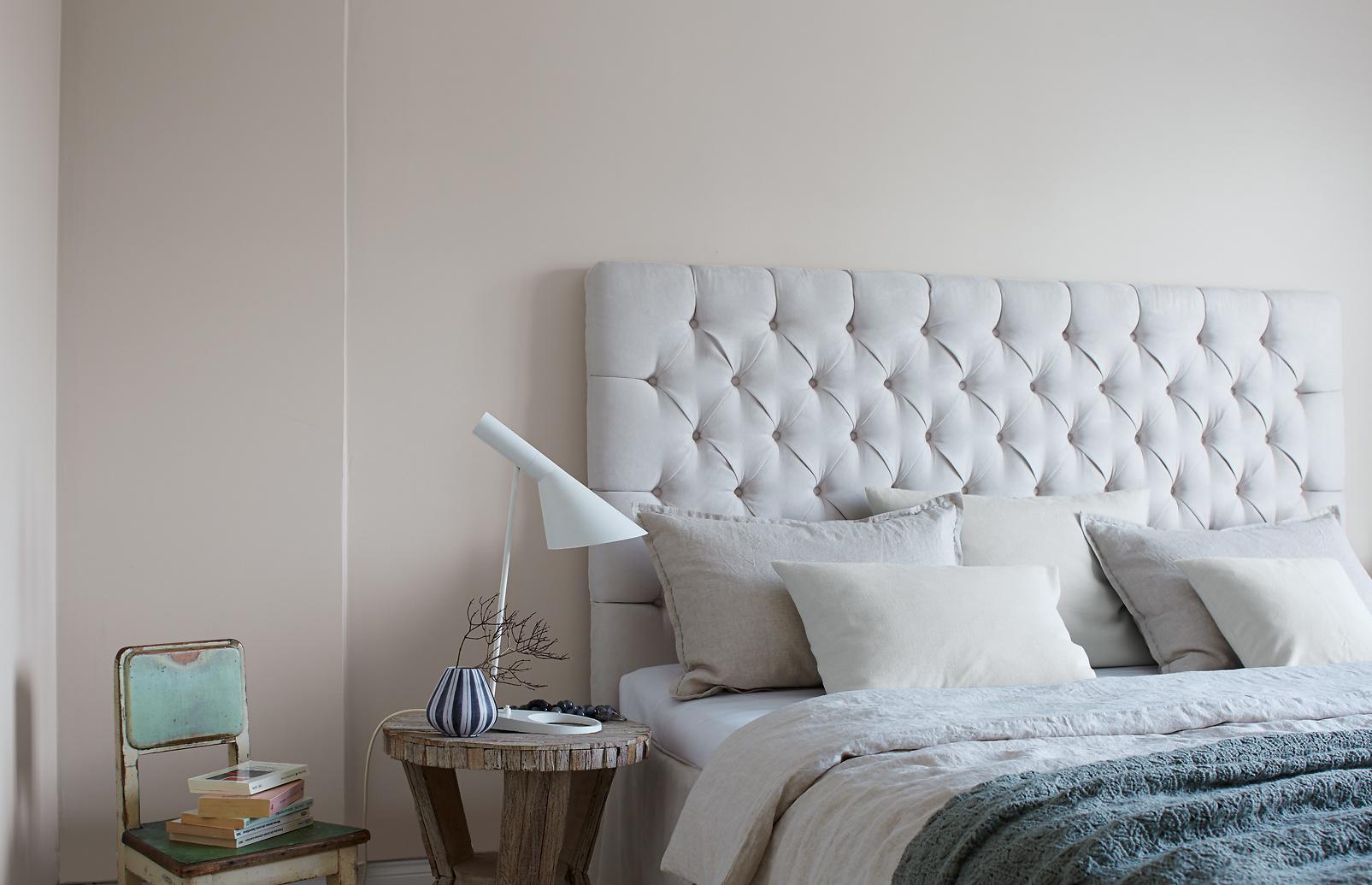 premium wandfarbe grau mittelgrau alpina feine farben nebel im november alpina farben. Black Bedroom Furniture Sets. Home Design Ideas