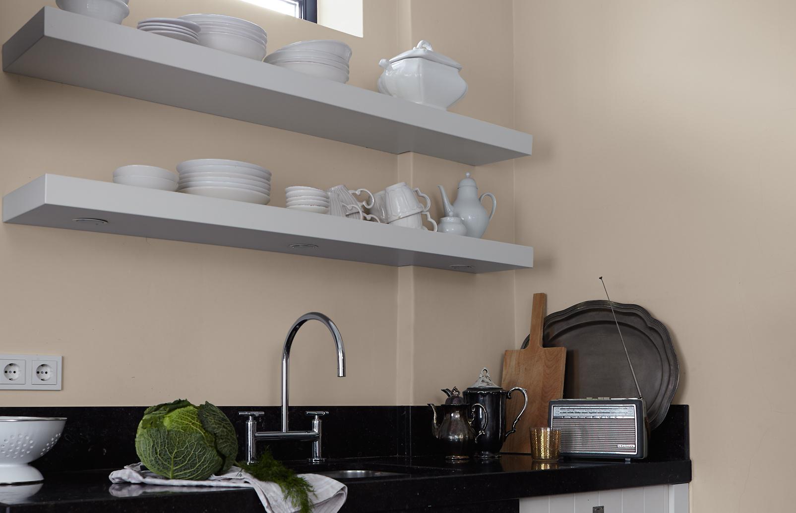 premium wandfarbe braun sandbeige alpina feine farben. Black Bedroom Furniture Sets. Home Design Ideas