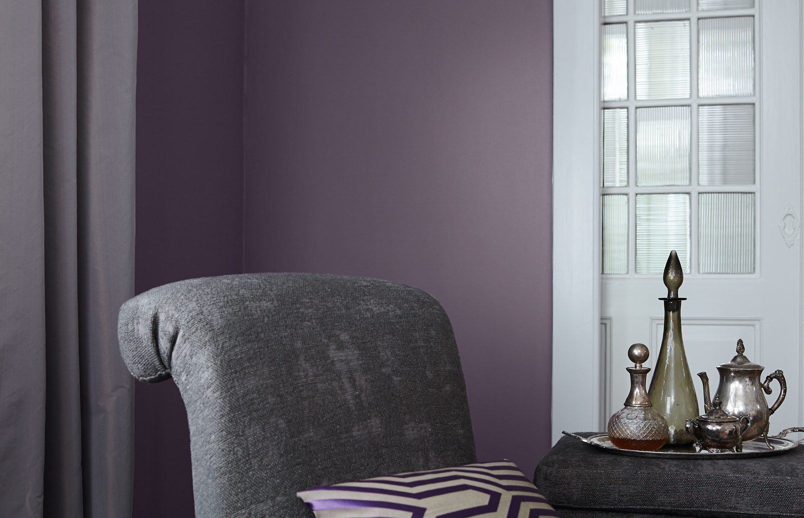 premium wandfarbe violett lavendel alpina feine farben dezente opulenz alpina farben. Black Bedroom Furniture Sets. Home Design Ideas