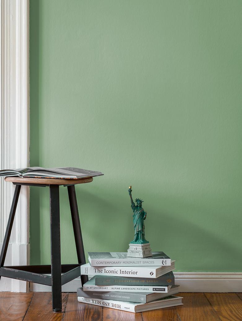 Grün, Patinagrün: Alpina Feine Farben HÜTERIN DER FREIHEIT   Alpina Farben