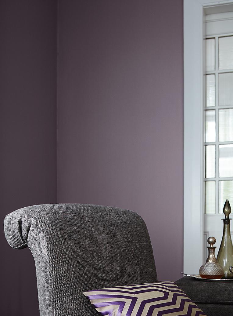 premium wandfarbe violett lavendel alpina feine farben. Black Bedroom Furniture Sets. Home Design Ideas