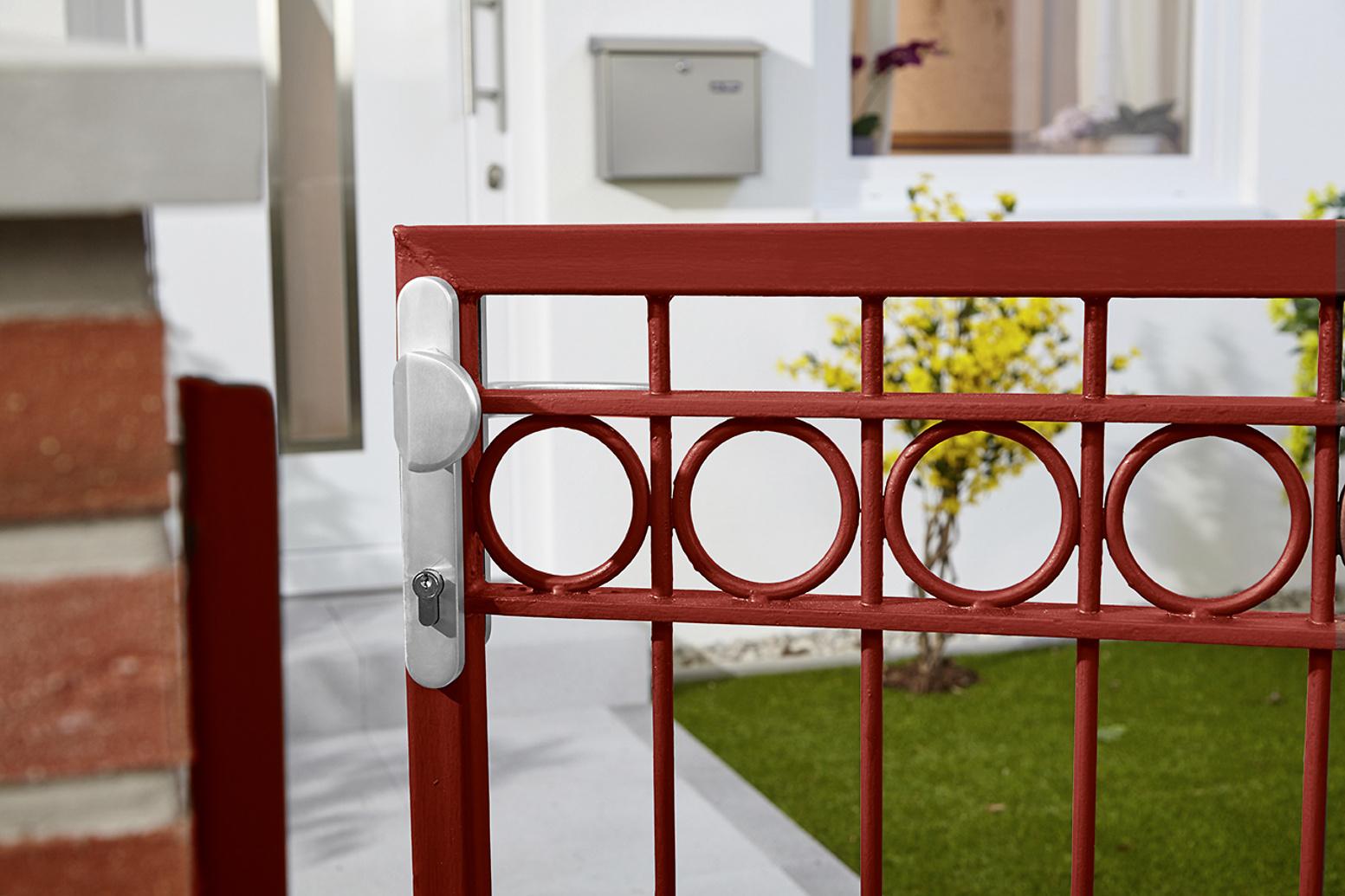 anti rost metallschutz lack matt rot direkt auf rost alpina farben. Black Bedroom Furniture Sets. Home Design Ideas