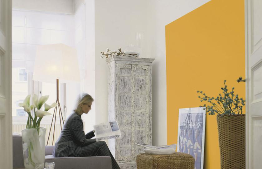 Bei Dieser Farbgestaltung Treten Orange Sowie Gelb Dem Betrachter Entgegen  Und Ziehen Die Aufmerksamkeit Auf Sich. Weiß In Kombination Mit Gelb Wirkt  ...
