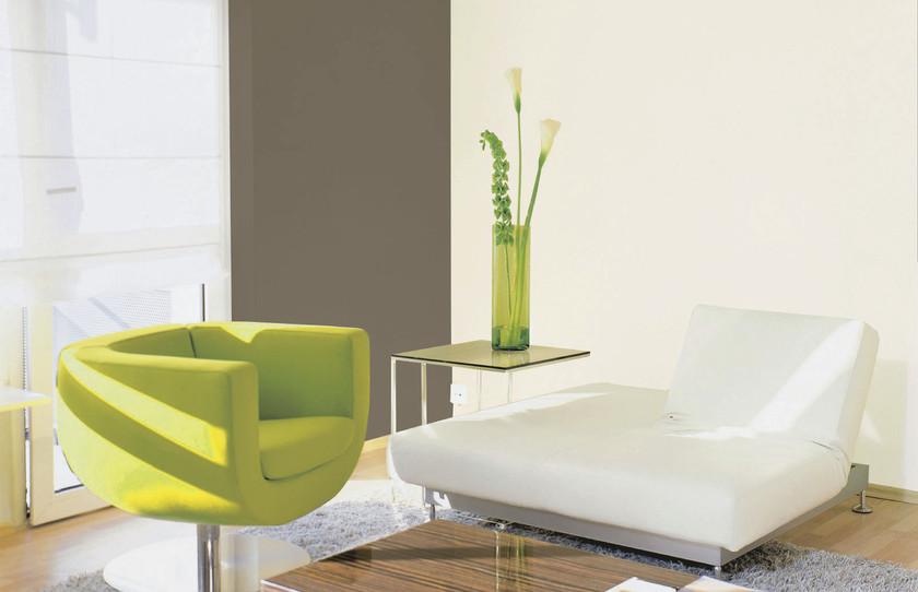 Weiß U0026 Braun Kombinieren. Diese Farbgestaltung Wirkt Edel Und Elegant. Die  Kühle Wandfarbe Weiß Wird Durch Das Warme Braun Ausbalanciert.