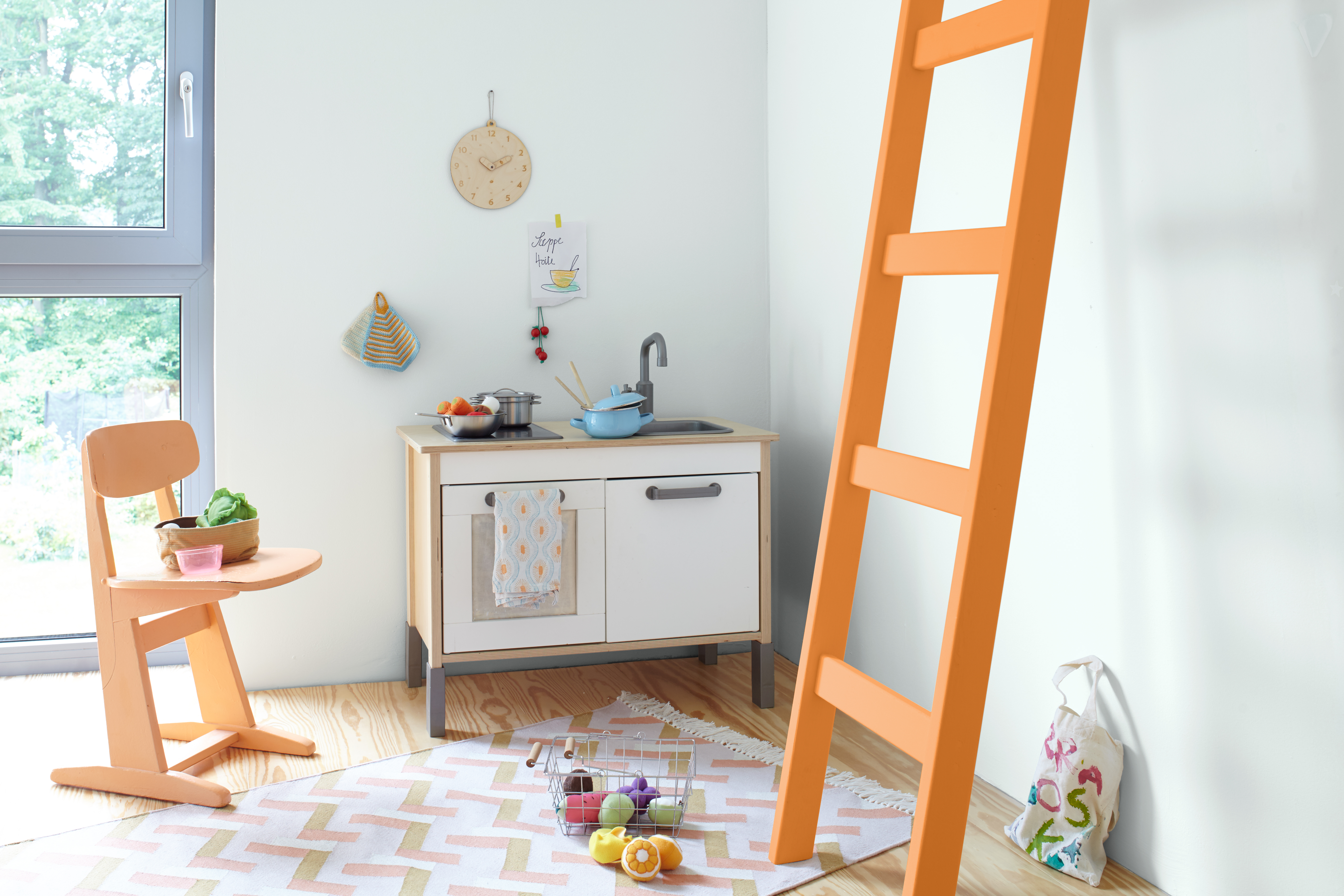 wandgestaltung in babyzimmer und kinderzimmer. Black Bedroom Furniture Sets. Home Design Ideas