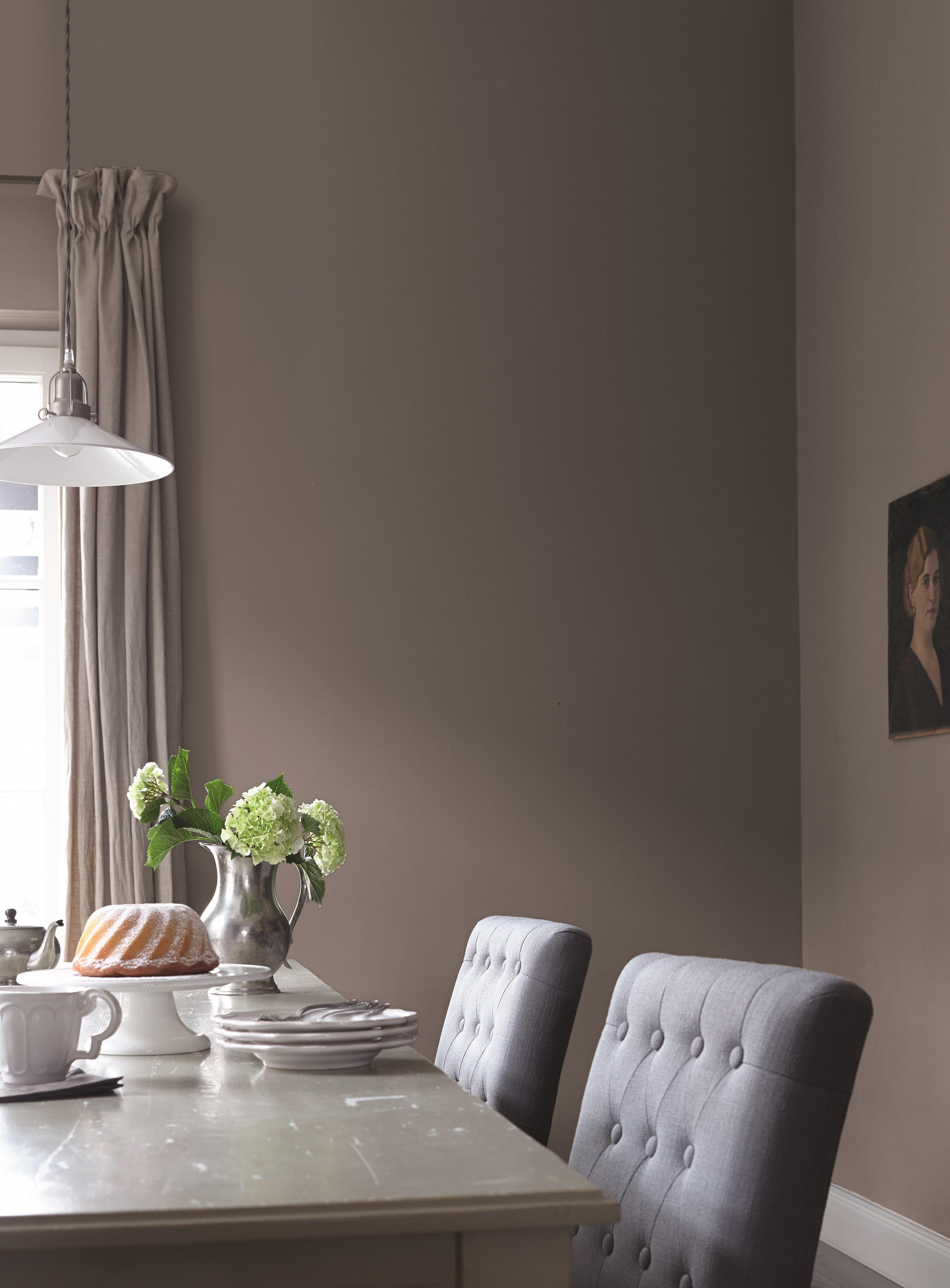 Wohnzimmer Mit Individuellem Charakter Und Wandfarbe Altrosa Farben ...