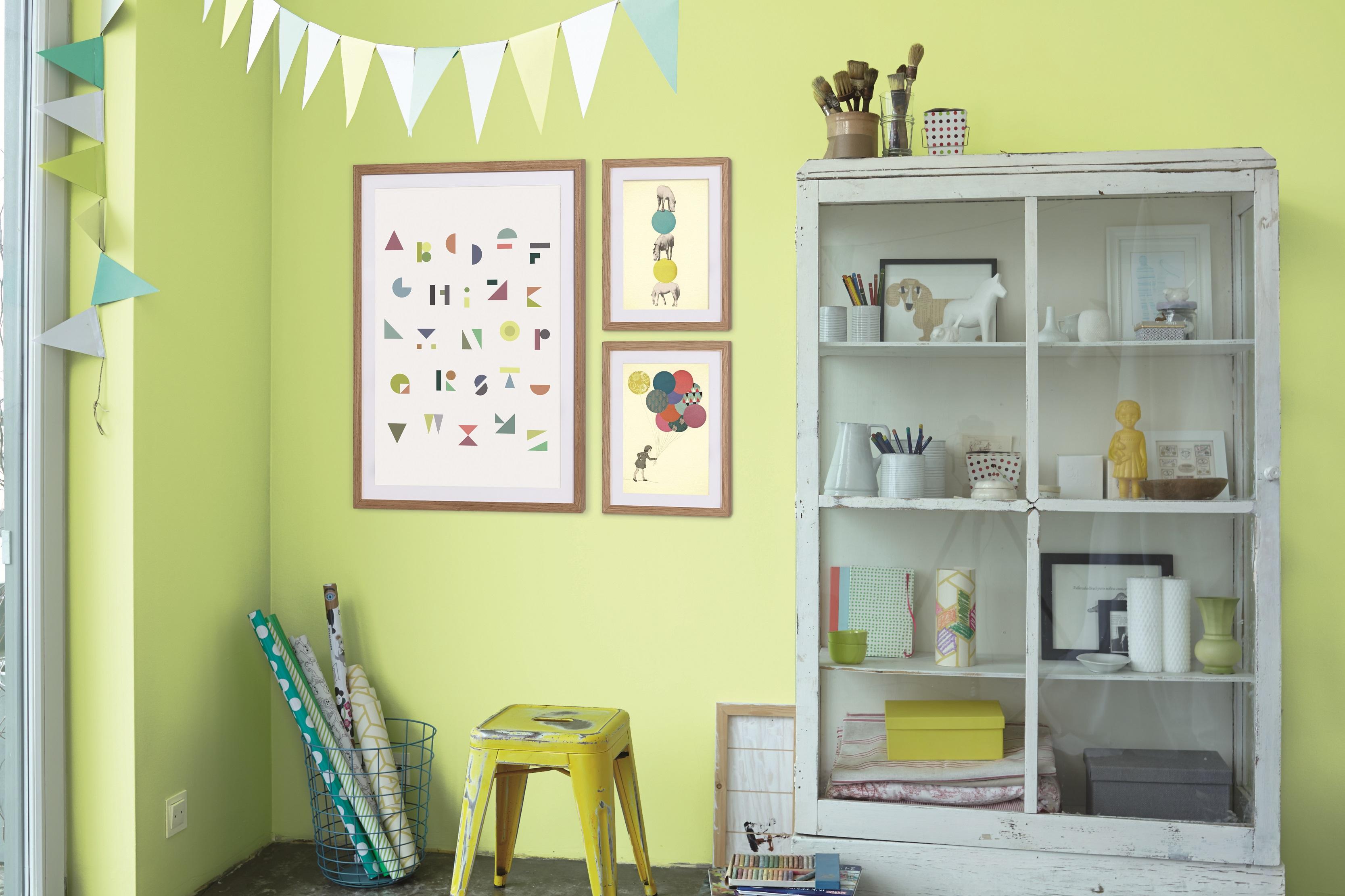 kunst und farbe individuell kombinieren alpina farbe. Black Bedroom Furniture Sets. Home Design Ideas