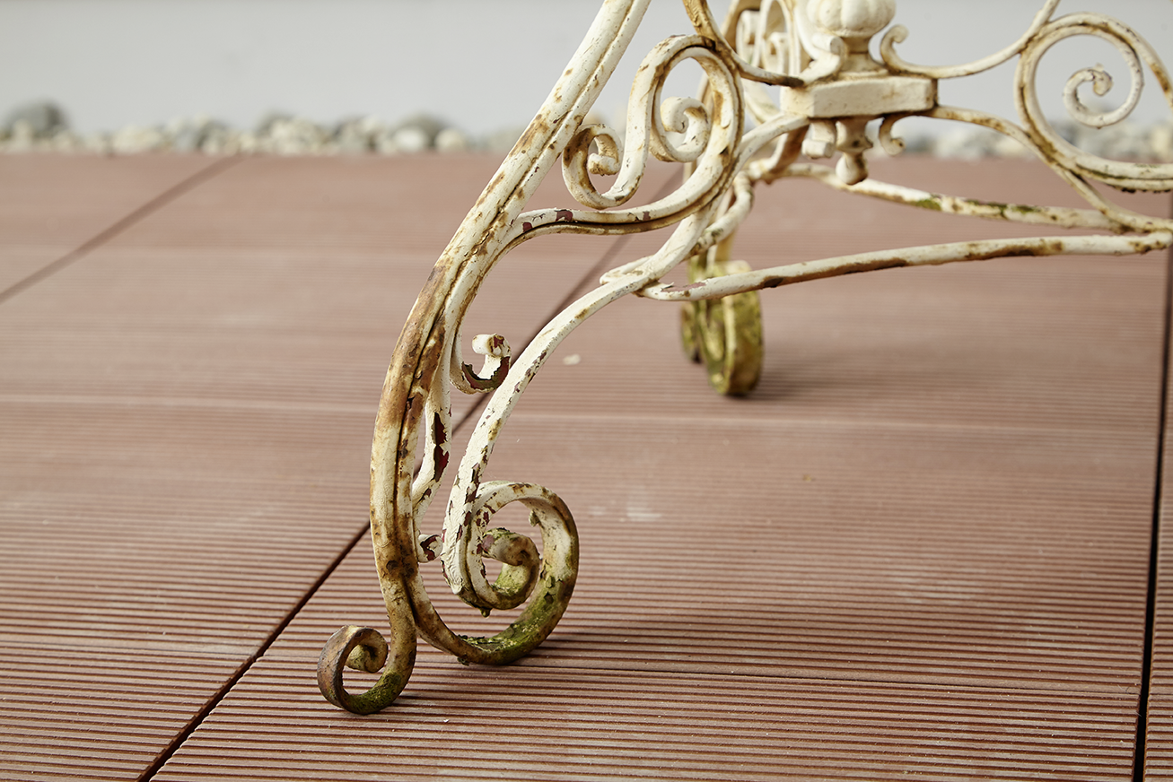 sprhlack entfernen perfect et voil aufkleber und sind. Black Bedroom Furniture Sets. Home Design Ideas
